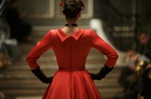 Faut-il-regarder-The-Collection-la-mini-serie-au-casting-international-ce-soir-sur-France-3_reference